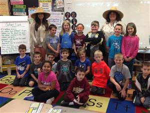 Mrs. Whynock's 1st grade class photo on live safari session